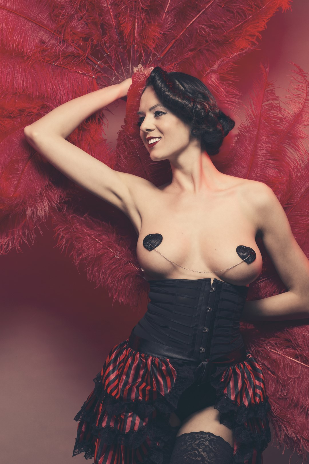 A pair of burlesque feather fans