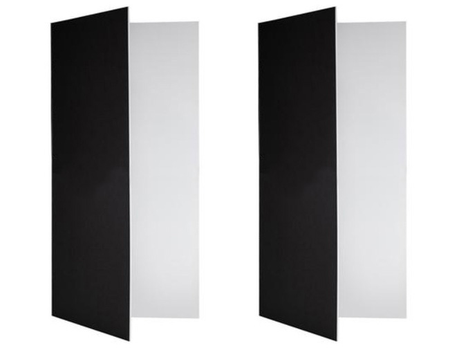 2x2 m (79x79 in) matte white and matte black V-Flats
